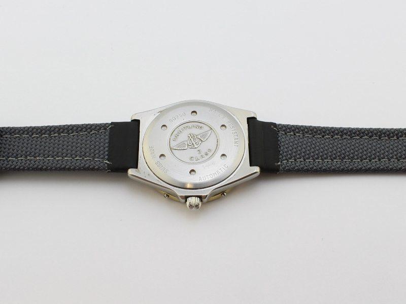 1952 7 800x599